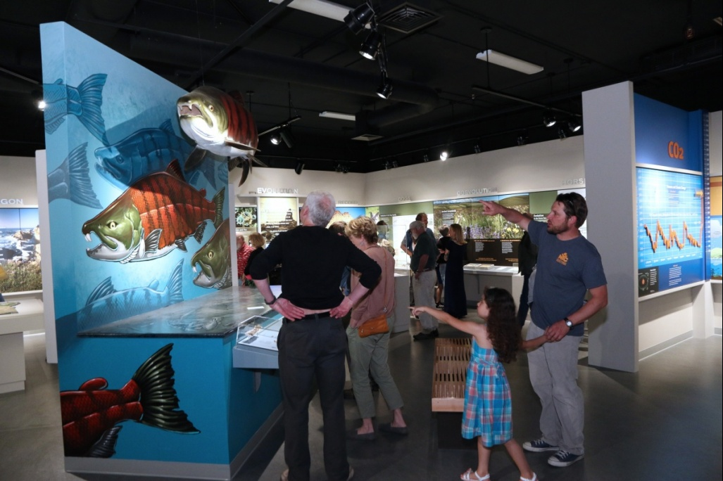 MNCH Explore Oregon exhibit